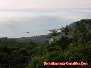 view-of-the-pacific-ocean-in-costa-rica