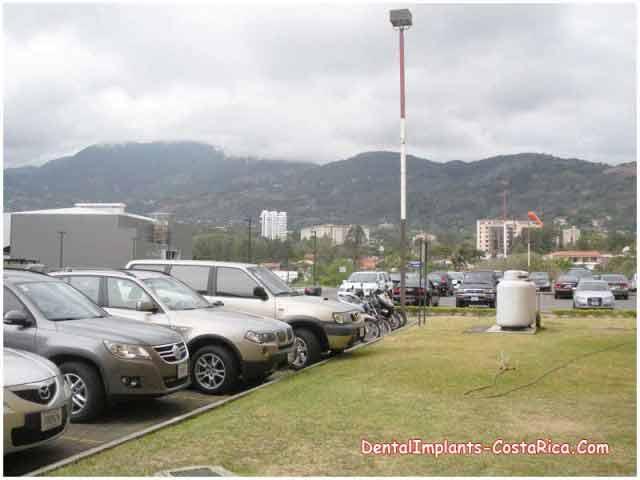 parking-area-of-leading-hospital
