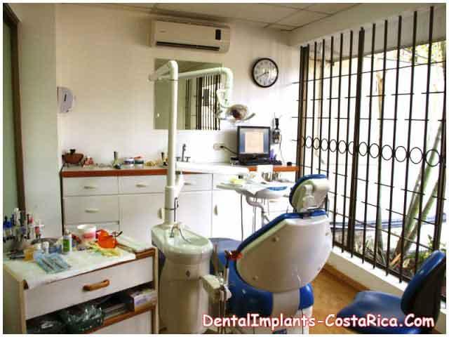 Teeth Implant Center - San Jose - Costa Rica