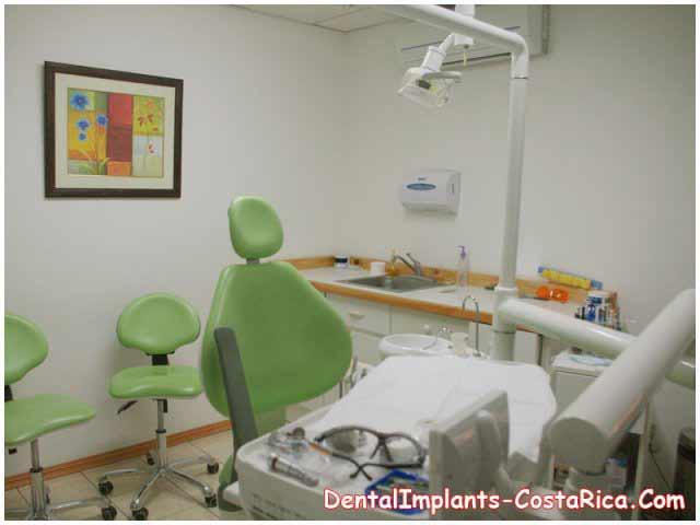 Costa Rica Teeth Implant Center